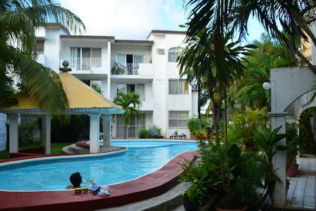 Comfy Studio/pool great location 15 min from beach - Cancún - Apartment