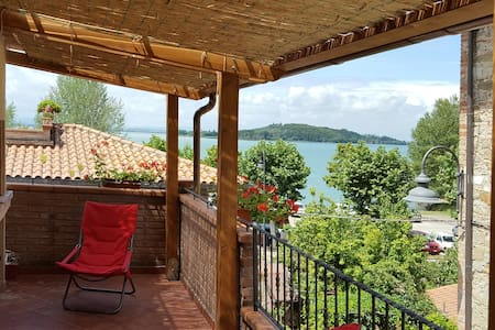 "Flat ""il Giacchio"" big terrace with lake wiew - San Feliciano - Apartment"