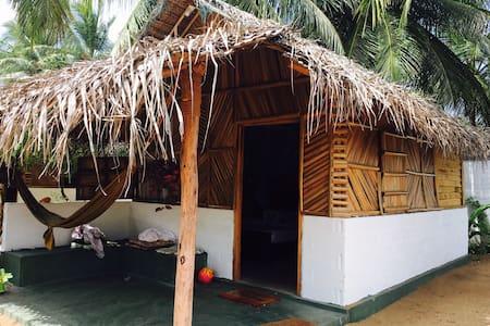 Sun Wind Beach Kalpitiya - Cabana 2 - Blockhütte