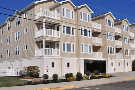 One Block to Beach, Pool & Elevator, Ocean View - Wildwood Crest - コンドミニアム