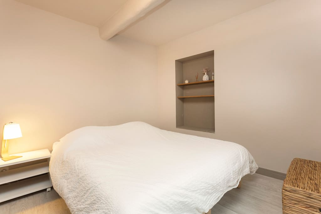 Bedroom 2, simple or twin bed Chambre 2 : lit double ou deux lits simples