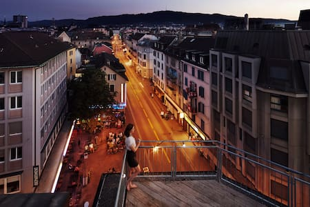 In the heart of Zürich with rooftop