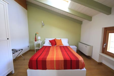 Camera Originario B&B La Mondina - Bed & Breakfast