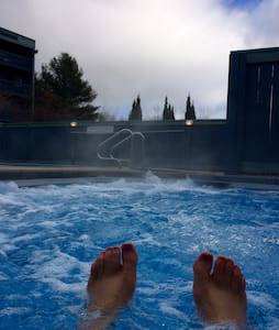2 BR slope side condo pool hot tub - Newry - Apartament