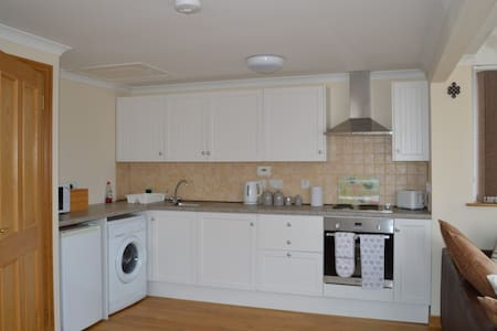 Self catering at Big Dans Cottage - House