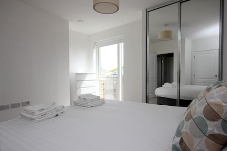Luxury Limehouse Marina 1-bed Apartment - Apartemen