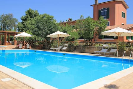 Country Villa Due Querce with Pool near Rome - House