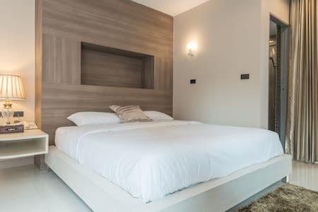 Parkview BKK/Large Room /Balcony 3F - Bangkok - Apartamento