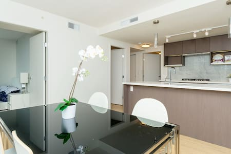Brand new luxury condo with brand new furniture - Richmond