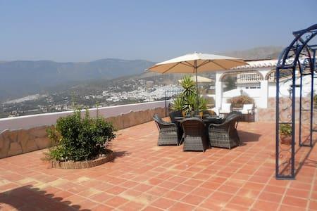 Terraza de Oliva - a beautiful villa in Competa - Cómpeta