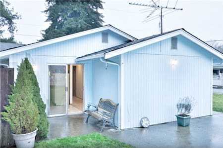 Downtown Snohomish 2 Bedroom Ramble - Snohomish - House