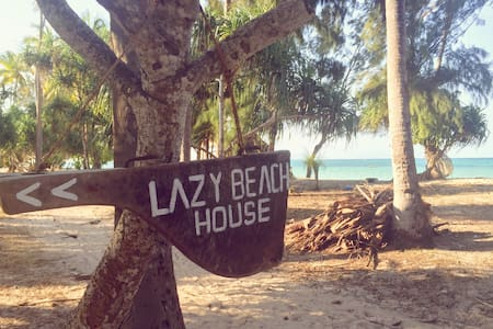 Lazy Beach House -Zanzibar- (room 1) - Bed & Breakfast
