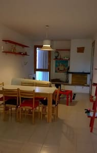 appartamento luminoso, ampio ideale per famiglie - Villa Ceccolini - Apartment