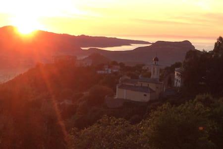Logement de charme, très belle vue mer et montagne - Poggio d'Oletta