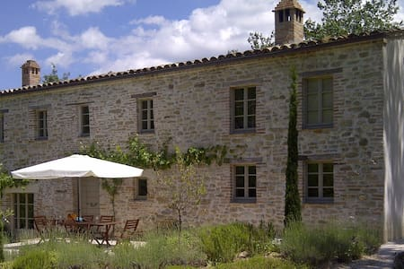 Casa Coletta, elegant farmhouse in tranquil valley - Casa Coletta - Villa