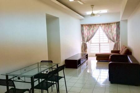 Simple Apartment @ USJ19 Rhythm Avenue Subang Jaya - Byt
