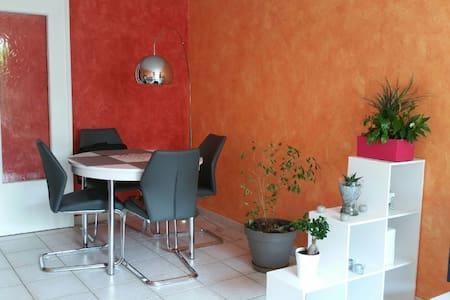 Beau T4 avec jardin privatif - Lägenhet