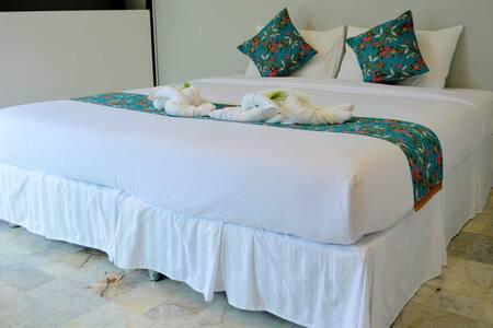 Bulan Anda Baba Resort - Bed & Breakfast