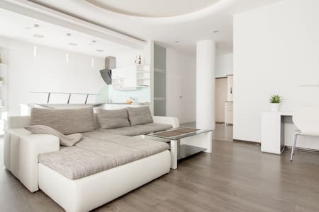 Sea view apartament in city centre - Appartamento