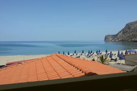 two bedroom  apartment in front of Fodele beach - Appartement