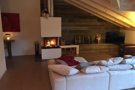 St. Moritz area, Engadin Escape - cosy chique - Zuoz - Appartamento