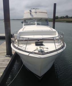 Neptune's Manor - Winthrop - Boat
