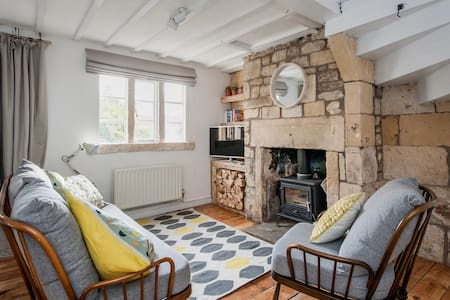 Charming Period Cottage - Batheaston
