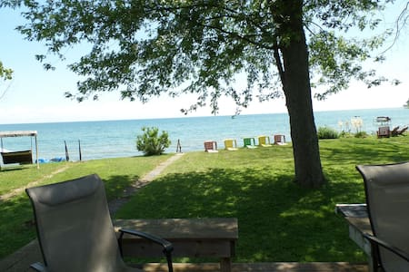 Sunset Bay Cottage on Lake Erie - Stuga