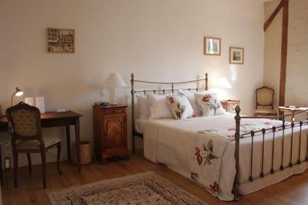 Maison Des Tannerus B&B - Room 1 - Bed & Breakfast