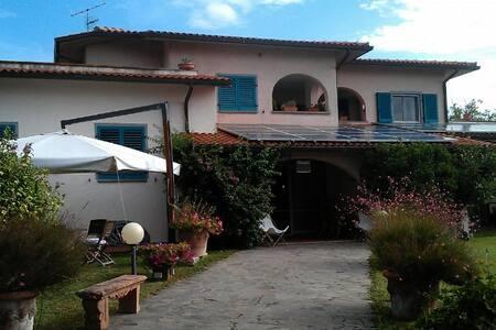 Casa Rosa Castiglione della Pescaia - Castiglione della Pescaia - House