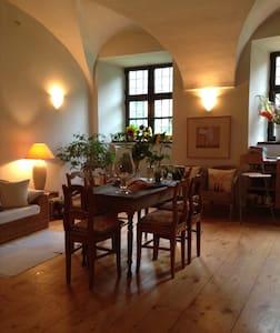 Romantische Übernachtungen in einem Wasserschloss - Fraunberg