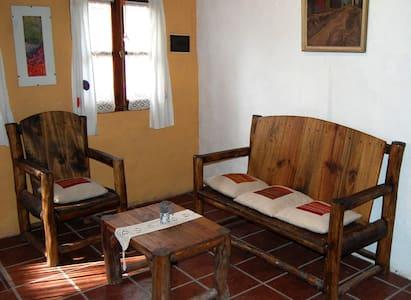 Departamentos en el centro con baño y cocina - Wohnung