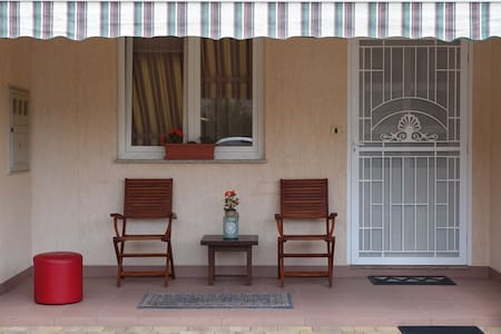 Spatious 2BD and secure parking - Flat