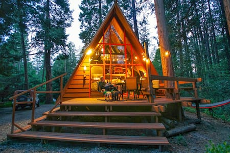 Idyllcreek A-Frame - Walk to Town - Dog Friendly - Idyllwild-Pine Cove - Stuga