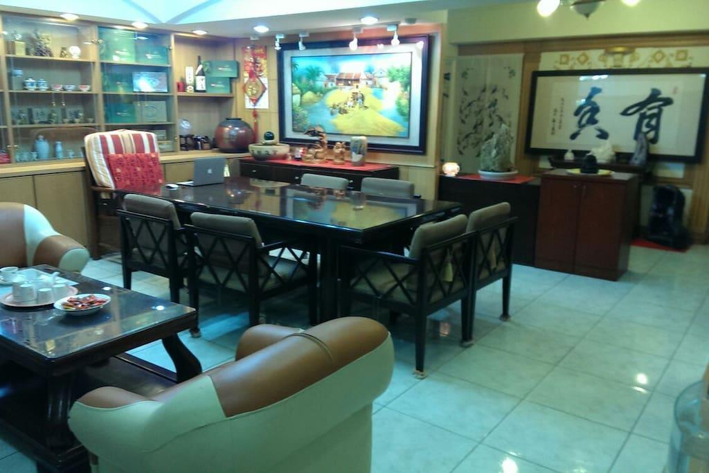 精緻古典的客廳古色古香