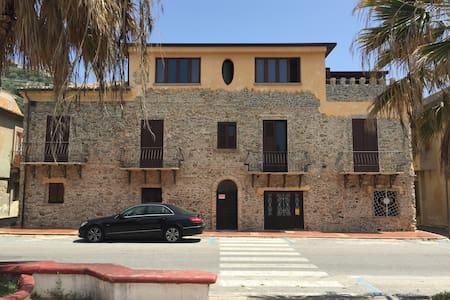 L'ANTICO CASALE - Apartamento