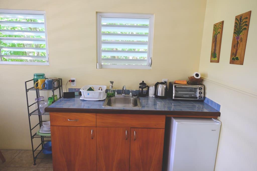 Casita Verde kitchenette