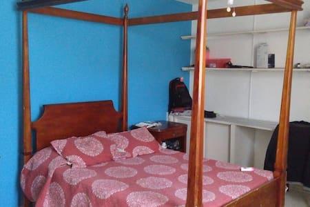Habitación céntrica en León Gto - House