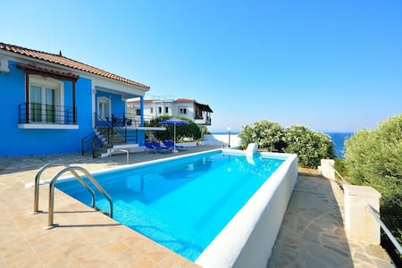 HOME....AWAY FROM HOME No2 - MOUZAKIS VILLAS - Dom