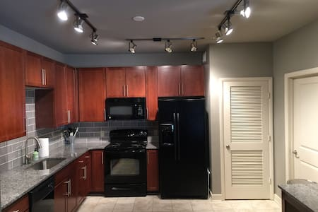 Walking Distance to Downtown Main Street! - Greenville