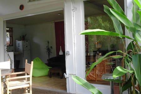 Loft / jardin à Montjoly (plage) - Cayenne