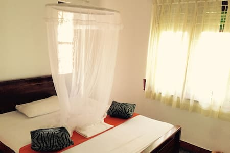 Double Room with AC plus gardenview - Bed & Breakfast
