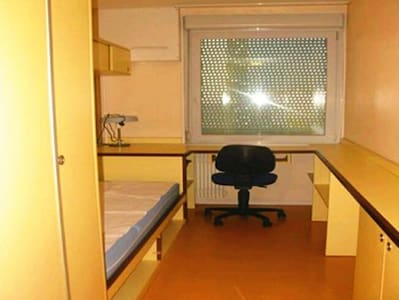 Warm quiet room in the center of Clermont-Ferrand - Huoneisto