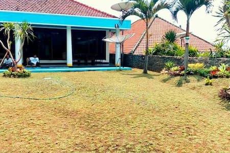 Villa Maryland Tretes - Pasuruan