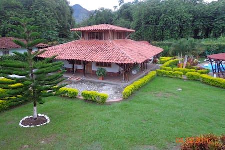 Chamizal Estadero - Supía - Chalet