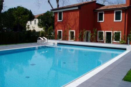 Ca'Rossa's apartment with swimmingpool - Flat