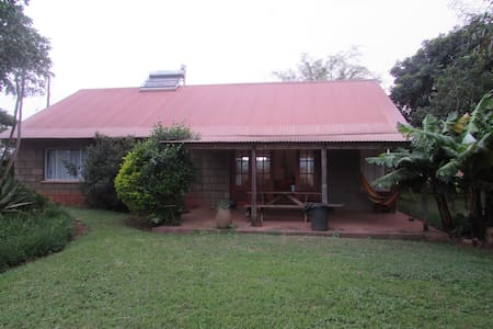 Self catering room for up to 3 pax - House