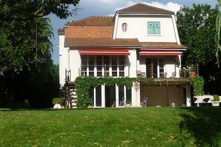 Maison avec jardin en bord de Seine - Villennes-sur-Seine