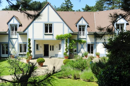 Luxury Hardelot Golf Course Villa for 19 people - Neufchâtel-Hardelot - Dům