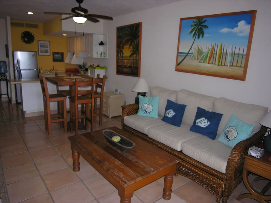 Living Area & Couch (Trundle sleeps 2)
